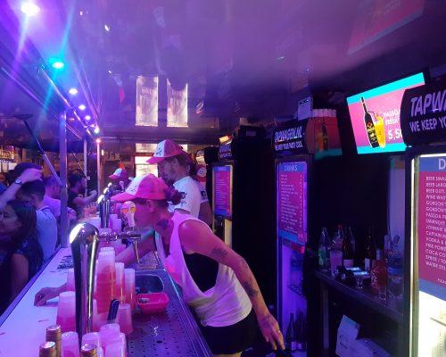 gay pride tapwagen roze